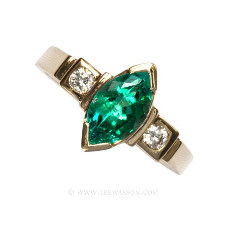 Yellow Gold Rings Specialist in Fine Colombian Emeralds