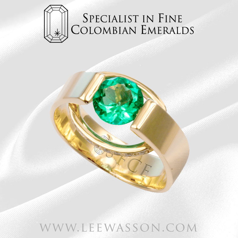 colombian emerald ring Yellow Gold 18 carat Specialist in